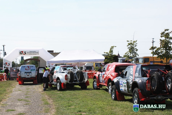 rally04810E7455-23A5-289F-0889-BFFEF4B0CFC5.jpg