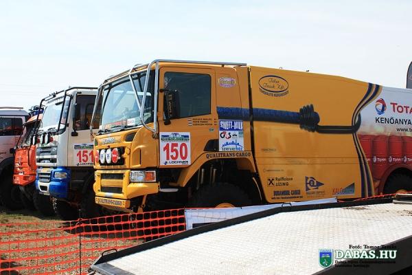 rally07446177E4-4E4B-E96E-29A2-76A06DE64C04.jpg